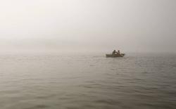 Hai người đàn ông sống sót thần kỳ sau 29 ngày lênh đênh trên biển, cầm cự chỉ với hoa quả và nước mưa