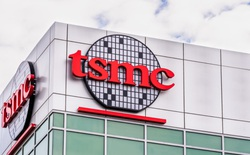 """Apple tiếp tục là """"đại gia"""" bao thầu hơn nửa dây chuyền sản xuất chip 5nm của TSMC trong năm 2021"""