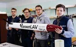 Chỉ với hơn 63 triệu VND, nhóm sinh viên Nga chế tạo tên lửa đi thi quốc tế