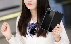 Cận cảnh Xiaomi Mi MIX Fold: Thiết kế gập giống Galaxy Z Fold2, giá chỉ từ 35 triệu thì có gì khác biệt?