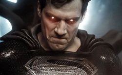 Justice League Snyder Cut ra mắt teaser mới: Superman diện trang phục đen cứu Batman, Martian Manhunter sắp lộ diện