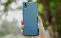 Trên tay Galaxy A02: Smartphone giá rất rẻ, pin rất trâu của Samsung