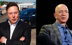 """Elon Musk chế nhạo Jeff Bezos: """"Mãi không dựng lên được"""""""