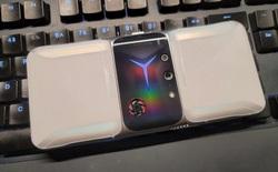 Smartphone chơi game Lenovo Legion 2 Pro lộ ảnh thực tế: Thiết kế khác biệt, quạt tản nhiệt lộ thiên, camera selfie ở cạnh bên