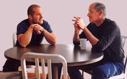 Cựu nhân viên Apple hé lộ sở thích kỳ lạ của Steve Jobs: Tắt iPhone và trốn đi chơi 'đồ hàng' cùng Jony Ive