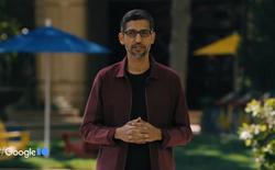 Google biểu diễn AI thế hệ mới bằng cách nói chuyện với… Sao Diêm vương và máy bay giấy