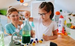 Quà 1/6 cho bạn trẻ mê khoa học: 5 thí nghiệm STEM siêu đỉnh cho mùa hè ở nhà tránh dịch