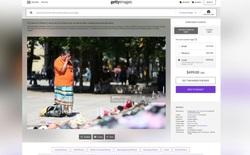 Canada: Một người phụ nữ cảm thấy tức giận khi ảnh mẹ mình đang khóc tại khu tưởng niệm được bán trên mạng