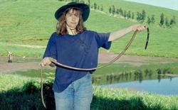 Đố bạn quốc gia nào là quê hương của loài giun đất lớn nhất thế giới với chiều dài 2 m?