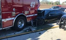 Mỹ gấp rút điều tra hệ thống Autopilot sau khi 11 chiếc Teslas đâm vào xe cứu hộ