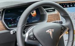 Say khướt đến bất tỉnh, tài xế được hệ thống tự lái của Tesla cứu mạng