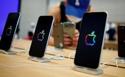 """Trung Quốc """"khát"""" nhân lực sản xuất iPhone, công ty thi nhau treo thưởng khủng để thu hút công nhân"""