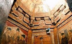 Khai quật ngôi mộ cổ nghìn năm phát hiện 3 người được chôn cùng nhau, bức tranh trên tường tiết lộ mối quan hệ mật thiết không ai ngờ