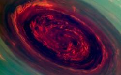 Phát hiện dòng khí quyển xoáy khổng lồ kỳ lạ trên sao Thổ