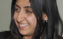 Nữ phóng viên nổi tiếng xinh đẹp và gan dạ bị bắn tỉa