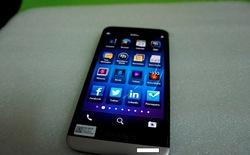 Xuất hiện ảnh thực tế rõ nét của phablet BlackBerry A10 màn hình lớn tại Việt Nam