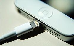 """Kết nối Lightning """"đút là vào"""" của Apple có gì nổi bật hơn MicroUSB ?"""