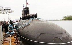 Lý do khiến tàu ngầm Kilo không tự bơi về Cam Ranh?