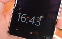Lumia 925 được bổ sung tính năng lướt tay để xem đồng hồ trên lockscreen