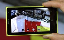 """""""Nghi án"""" Nokia Pro Camera làm ảnh chụp của Lumia 920 ám vàng"""