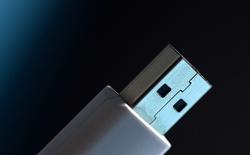 Phát hiện lỗi bảo mật nghiêm trọng trên thiết bị USB