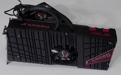 Card đồ họa 2 nhân R9 295X2 cao cấp với công nghệ làm mát lai của AMD