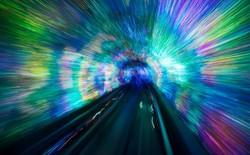 Có thể du hành xuyên thời gian bằng cách đi qua Wormhole?