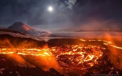 Núi lửa phun trào tạo thành dòng sông nham thạch dài 20 km
