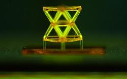Chế tạo loại vật liệu mới nhẹ hơn cả siêu vật liệu aerogel, nhưng cứng gấp 10.000 lần