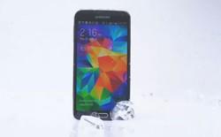 Galaxy S5 thách iPhone 5S, One M8, Lumia 930 dội nước đá lên