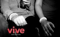 Tiệc tùng và nhậu nhẹt an toàn hơn với vòng tay Vive