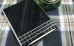 Bất ngờ xuất hiện smartphone màn hình vuông Blackberry Passport tại VN?