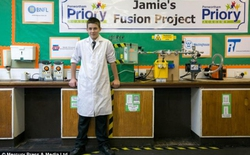 Cậu bé 13 tuổi chế tạo lò phản ứng hạt nhân
