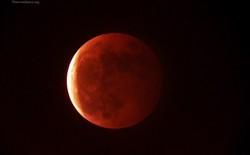 """Ngắm trọn vẹn hình ảnh """"mặt trăng máu"""" trên bầu trời Việt Nam"""