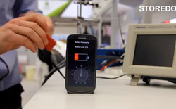 """""""Sốc"""" với công nghệ sạc đầy pin smartphone chỉ trong 30 giây"""