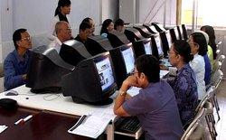 Học Internet miễn phí: Cơ hội mới cho công nhân và người lớn tuổi