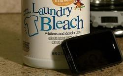 Con gái đầu độc mẹ để lấy lại... iPhone