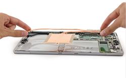 """""""Mổ bụng"""" Surface Pro 4: Thay được ổ SSD, sửa chữa dễ hơn Surface Pro 3"""