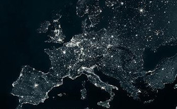 Châu Âu có ngăn chặn được sự sụp đổ internet toàn cầu?