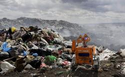 Gặp gỡ cậu bé 17 tuổi tự chế tạo robot WALL-E từ rác thải