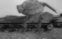 """Xem đội quân toàn xe tăng, xe bọc thép """"bơm hơi"""" trong Thế chiến II"""