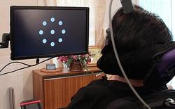 Xem cách điều khiển máy tính bằng suy nghĩ nhờ thiết bị gắn trực tiếp vào não