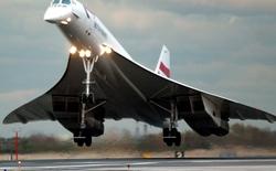 26/11/2003 - Máy bay siêu thanh Concorde thực hiện chuyến bay cuối cùng của mình