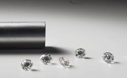 """Phương pháp """"trồng"""" kim cương tinh khiết như kim cương tự nhiên chỉ sau 2 tuần"""