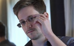 Cựu điệp viên Snowden: iPhone chứa phần mềm gián điệp?