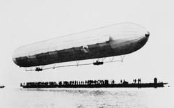 Ngày 2/7: Chiếc khinh khí cầu khổng lồ Zeppelin thực hiện chuyến bay đầu tiên