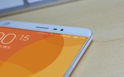 """Lộ ảnh Xiaomi Mi5: màn hình tràn ra cả viền máy """"na ná"""" Galaxy S6 Edge"""