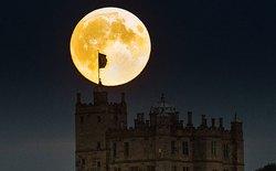 """Xem lại hình ảnh """"Siêu Mặt trăng máu"""" vô cùng hiếm gặp trên toàn thế giới"""