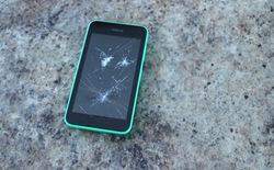 Gào khóc thảm thiết vì smartphone bị hỏng