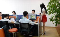 """Công ty Trung Quốc thuê hot girl giúp các lập trình viên """"giải tỏa"""""""